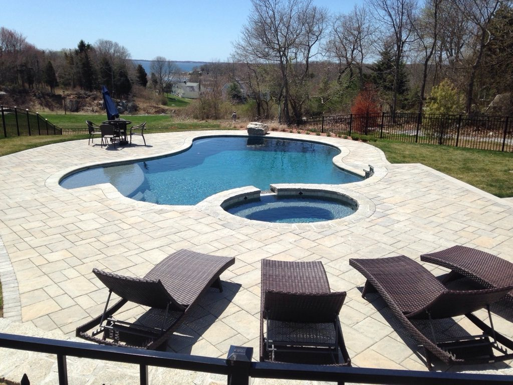 gunite swimming pools