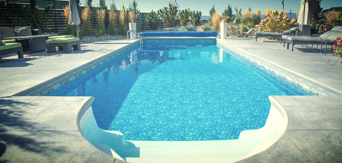 gunite swimming pool repair - Landmark Swimming Pools